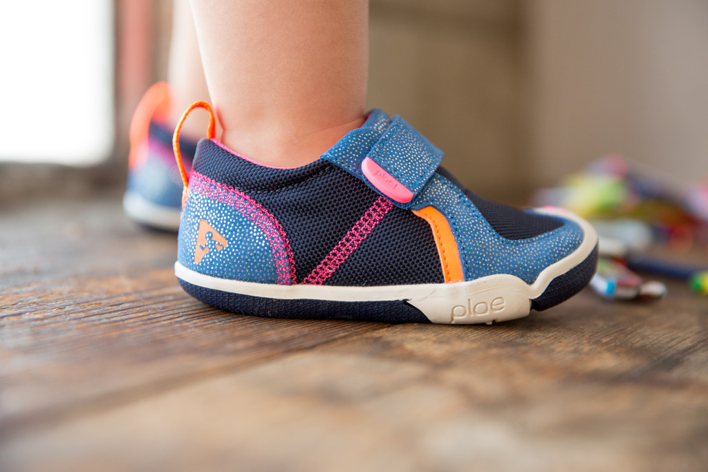 Plae shoes for kids